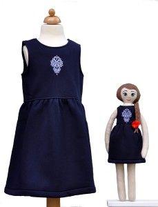 Lalka Lalanna haftowana i granatowa sukienka dla dziewczynki