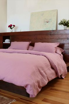 Luxurious Italian linen sheets and duvet cover in a beautiful, unique shade of lilac evoking the beauty of Scottish heather