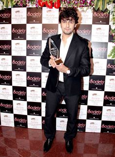 Sonu Nigam at the Society Young Achievers Awards 2013. #Bollywood #Fashion #Style