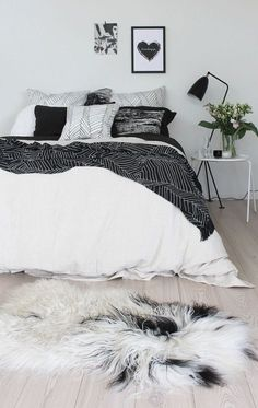 ☆ bedroom envy.   decor bedroom love black and white styling simple monochrome palette interior design #jotitdown
