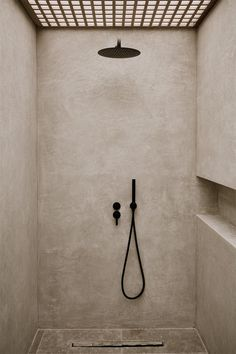 Farmhouse master bathroom decorating, master bathroom inspiration, and master bathroom suggestions. A round up of dream bathroom designs, rustic bathroom ideas and methods for styling your powder rooms. Zen Bathroom, Best Bathroom Vanities, Concrete Bathroom, Bathroom Ideas, Bathroom Organization, Bathroom Cabinets, Minimal Bathroom, Bath Ideas, Concrete Shower
