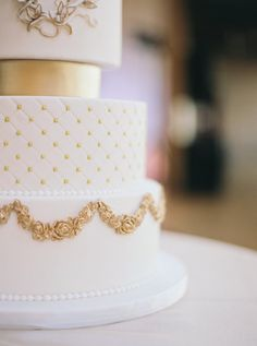 Grecian gold and white cake…