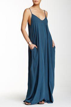 Fab maxi dress with pockets!
