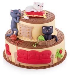 Potahovaný kočičí dort s celou řadou marcipánových ozdob