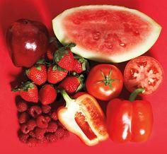 Los alimentos de color rojo son ricos en licopeno cuyas propiedades antioxidantes, tonifican el corazón y la circulación. Son muy adecuados para mejorar la hipertensión y la arteriosclerosis.