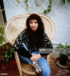many the wonders Peacock Chair, She Wolf, Star Wars, Image Icon, Stevie Nicks, Female Singers, Celebs, Celebrities, Record Producer