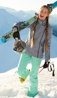 Un giorno in montagna? Perché no! #girl #look #sport #mountain #snow #skiing #Acquavitasnella #Vitasnella