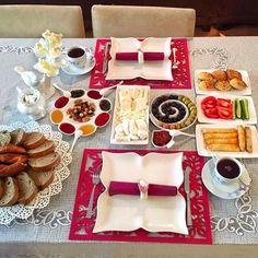 En güzel mutfak paylaşımları için kanalımıza abone olunuz. http://www.kadinika.com Günaydın  Hayırlı Cumalar  Can ablamla kahvaltımız  #günaydin #kahvalti #sofra #mutfak #sunum #sunumönemlidir #sunumduragi #vscocam #instalike #instagood #instamood #food #yummy #likes #happy #mutfakgram #family #like4like #instadaily #tagsforlikes #interior #love #yasamtarziniz #sunumsah #sunum_sayfasi #goodmorning #breakfast #kitchen #instagram