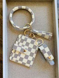 Lv Key Pouch, Purse Wallet, I Got A Car, Foster Farms, Color Checker, Future Car, Business Card Holders, Key Chains, Car Accessories