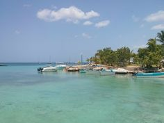 Hot, humid and sunny weekend in Bayahibe, the last weekend before the school starts. Watch live at www.bayahibewebcam.com