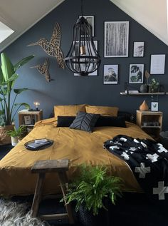 Attractive Bohemian Bedroom Decor Designs: Its time to add your home bedroom and interior designing with the perfect finishing of the decoration and renovation effects! Bohemian Interior Design, Bohemian Bedroom Decor, Bohemian Living, Bedroom Inspo, Home Bedroom, Master Bedroom, Bookshelves In Bedroom, Living Styles, Shabby Chic Style