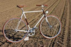 singlespeed Singlespeed & Classic Bikes color combination fixed bike inspiration saddle leather handlebar custom tires