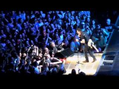 Bruce Springsteen - Burning Love (live) - Nashville 4/17/2014 (TheDailyVinyl official) - YouTube