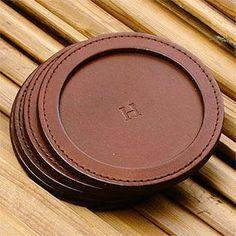 Leather coaster,  #coaster #leather,  #DiyAbschnitt, Diy Abschnitt, Leather Art, Leather Design, Leather Tooling, Leather Jewelry, Tan Leather, Leather Wallet, Leather Coasters, Leather Workshop, Small Case