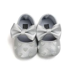 Hailey crib shoe