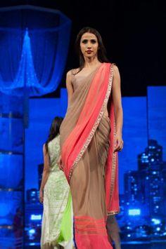 Browse through Manish Malhotra Sarees. Bridal Sarees, Wedding Sarees, Lehenga Sarees and more. Checkout Bollywood Stars in Manish Malhotra Sarees. Indian Attire, Indian Ethnic Wear, India Fashion, Asian Fashion, Women's Fashion, Indian Dresses, Indian Outfits, Indian Clothes, Manish Malhotra Saree