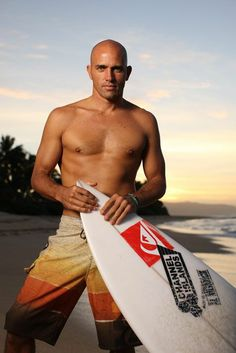 Kelly Slater arguably the best american surfer being the youngest(at age & the oldest(at age to win numerous world titles all around the world. Surfer Boys, Surfer Dude, Hot Surfers, Kelly Slater, Surfer Style, Bald Men, Athletic Men, Surfs, Sports Photos