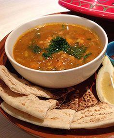4 Makanan Tradisonal Wajib Ketika Lebaran  http://www.perutgendut.com/read/4-makanan-tradisonal-wajib-ketika-lebaran/2273 #Food #Kuliner #Indonesia #Ramadhan