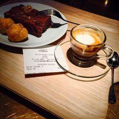 Life is indeed sweet! #sugar #sugarlover #dayoff #princi #london by daciolamounier