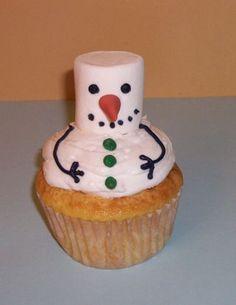 but i'd ice the whole cake surface. Snowman Party, Snowman Cupcakes, Diy Snowman, Christmas Snowman, Xmas, Christmas Ideas, Snowmen, Happy Holidays, Birthday