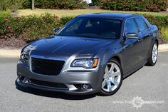 The new 2012 Chrysler 300s model boasts a unit with a capacity of 6.4-liter, 465 hp power and torque - 630 Nm.