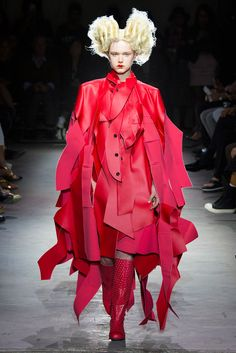 Comme des Garçons - Spring 2015 Ready-to-Wear - Look 2