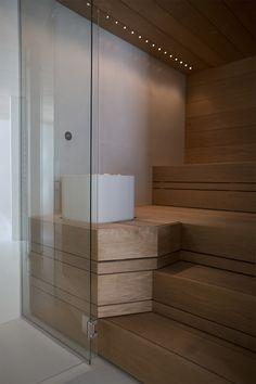 Sisustusta, satavuotiaan talon remontointia, jokapäiväistä elämää ja kaikkea kaunista. Sisustusarkkitehti yhdistelee ajattomia designklassikoita vanhoihin löytöihin rennosti, mutta ammattilaisen varmoin ottein Modern Bathroom Decor, Bathroom Spa, Laundry In Bathroom, Bathroom Interior, Sauna Design, Finnish Sauna, Steam Sauna, Sauna Room, Spa Rooms