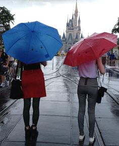 The Blue Umbrella.what an awesome idea for the parks on a rainy day! Edit: I think this would make a cool photoshoot prop as well :) Disney Style, Disney Love, Disney Family, Disney Cast, Disney Magic, Blue Umbrella, Disney Fanatic, Disney And More, Disney Pins