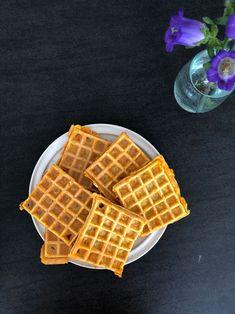 Chaffles - opskrift på de populære keto vafler - chaffles Tefal Snack Collection, Lchf, Cheddar, Waffles, Low Carb, Diet, Snacks, Breakfast, Food