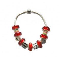 Marque: Pandora -Genre: Femme -Matière: Divers -Style: Unique               67,99 € http://www.pariprix.com/pandora-cadeaux/glass-beads-and-silver-charms-rose-diy-bracelet-pandora-captivant.html