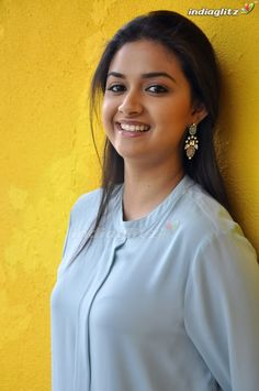 The Truth About Keerthy Suresh Is About To Be Revealed Beautiful Girl Photo, Beautiful Girl Indian, Most Beautiful Indian Actress, Wonderful Picture, Beautiful Saree, Bollywood Actress Hot, Beautiful Bollywood Actress, Beautiful Actresses, Tamil Actress