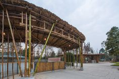 architectural practice atelier REP constructs the bamboo garden in the countryside of chengdu, china -- introducing family activities in a dairy farm. Foster Architecture, Pavilion Architecture, Sustainable Architecture, Chengdu, Diy Pergola, Pergola Kits, Gazebo, Bamboo Fountain, Bamboo Structure