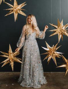 A Star is Born: Gold + Gilded Midnight Magic to Bring in the New Year - Green Wedding Shoes The Most Jaw-Droppingly Beautiful Dresses From the Cannes Film Festival Bridesmaid Dresses, Prom Dresses, Formal Dresses, Elegant Dresses, Lace Evening Dresses, Summer Dresses, Stylish Dresses, Winter Dresses, Simple Dresses