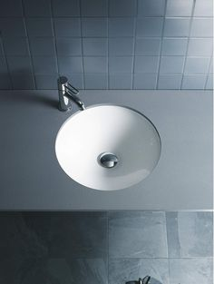 Buy the Duravit 0319370000 White Direct. Shop for the Duravit 0319370000 White Architec Ceramic Undermount Bathroom Sink and save. Bathroom Vanity Units, Undermount Bathroom Sink, Bathroom Basin, Bathroom Furniture, Lavabo D Angle, Corner Basin, Vanity Basin, Modern Toilet, Shower Taps