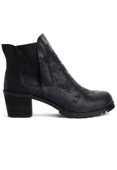 Matte Leather Ankle Boot in Black - Shoes - Goods - Retro, Indie and Unique Fashion