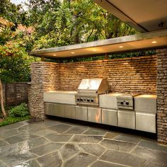 Outdoor Kitchen is the best way to finish your backyard to entertain and feed your family and buddies. Beneath you could find on outdoor kitchen ideas as well as some tips that can make your patio stylish and engaging, get pleasure from! Modern Outdoor Kitchen, Outdoor Living, Outdoor Decor, Outdoor Kitchens, Outdoor Ideas, Küchen Design, Layout Design, Design Ideas, Modern Design