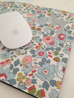 diy tapis de souris sur pinterest tapis de souris souris et bouchons. Black Bedroom Furniture Sets. Home Design Ideas