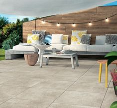 Patio Design Trends: Large Format Pavers