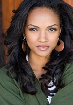 Mekia Cox, beautiful African-American actress and dancer #headshot T: MekiaCox
