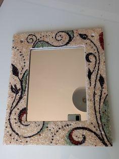 Dicas de mosaico Mirror, Frame, Home Decor, Mosaic Artwork, Mosaics, Picture Frame, Decoration Home, Room Decor, Mirrors