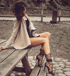 "f93ceef6 Anca A. on Instagram: ""Taking my baby to lunch has it's advantages ✨~ ~ ~ ~  #tekeonheels #shoes #shoegame #killerheels #shoesporn #feetporn  #shoestagram…"""