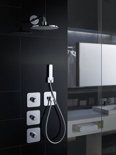 The right fixtures can make or break a bold, modern design and create the perfect bathroom experience. Learn more about TOTO showers and how they can complete your bathroom design. Bathroom Renos, Bathrooms, Bathroom Goals, Rain Shower, Shower Faucet, Black Walls, Modern Bathroom, Showers, Modern Design