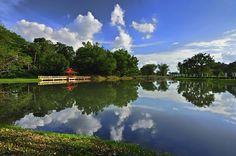 Taiping Lake Garden, via Flickr.