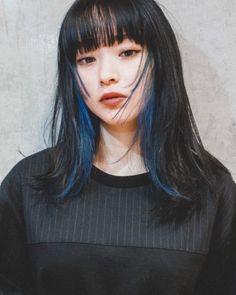 Hidden Hair Color, Two Color Hair, Hair Color Streaks, Hair Color Purple, Blue Hair, Hair Color Underneath, Short Grunge Hair, Peekaboo Hair, Brown Blonde Hair