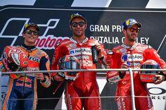 MotoGP in 🇮🇹 Italy: 🥇for Ducati's 🇮🇹 Petrux 🥈 for Honda's 🇪🇸 Marc 93 and 🥉for Ducati's 🇮🇹 Dovi 04 Marc Marquez, Motogp, Ducati, Honda, Valentino, Barcelona, Baseball Cards, Sports, Italy