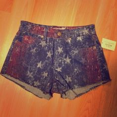 Guess High-Rise American Shorts. NWT high rise American flag style shorts. Guess Jeans