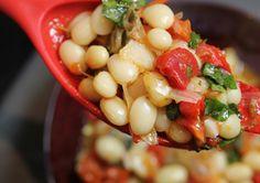 Découvrez les recettes Cooking Chef et partagez vos astuces et idées avec le Club pour profiter de vos avantages. http://www.cooking-chef.fr/espace-recettes/legumes-et-accompagnements/haricots-coco-aux-tomates-confites-et-au-basilic