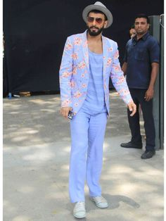 c1953e1bf37 Ranveer singh s style is impeccable and can carry indeed any look with  ease. We totally love how Ranveer Singh is killing with his fashion sense.