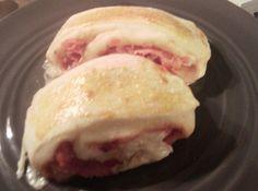 Panini napoletani Bimby, morbida pasta lievita farcita e cotta in forno...una vera delizia! Per prepararli occorrono: 300 gr di latte, 500 gr di farina ...