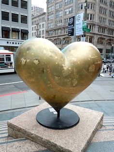 Keiko Nelson Heart and Heart sculpture reverse - this has got to be in San Fransisco :)